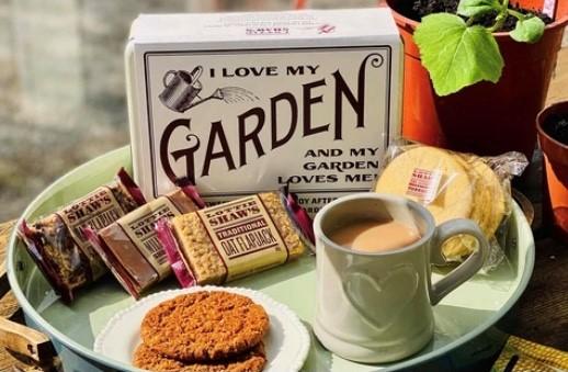 gardener-tin-1.jpg